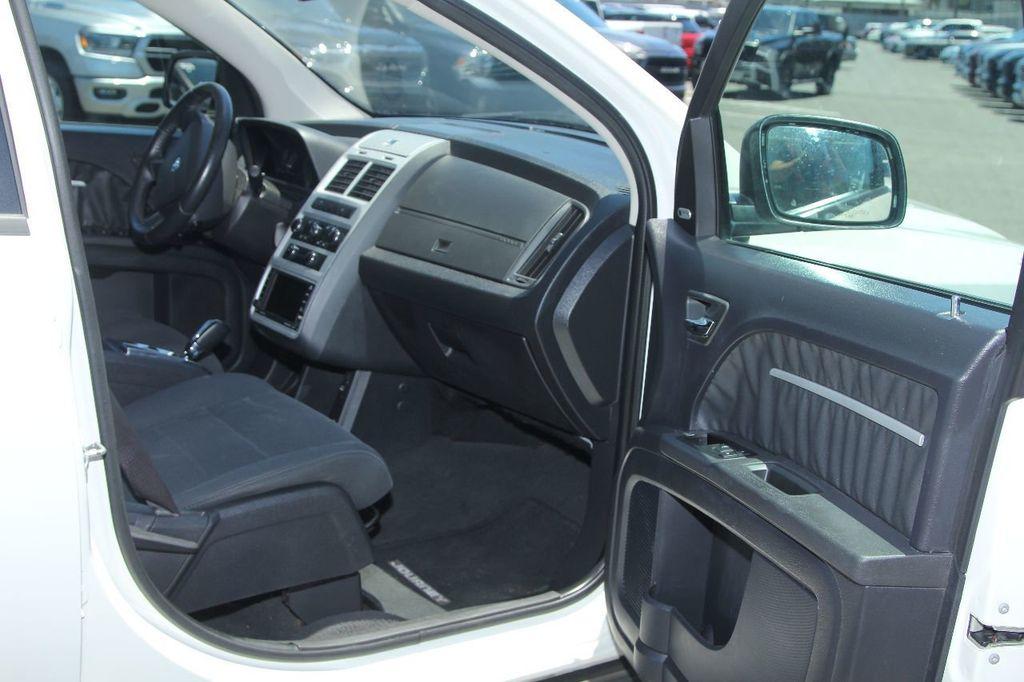 2010 Dodge Journey SXT - 18130959 - 11