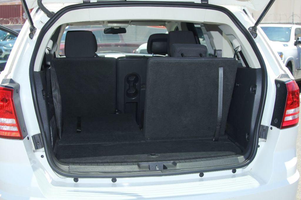 2010 Dodge Journey SXT - 18130959 - 16