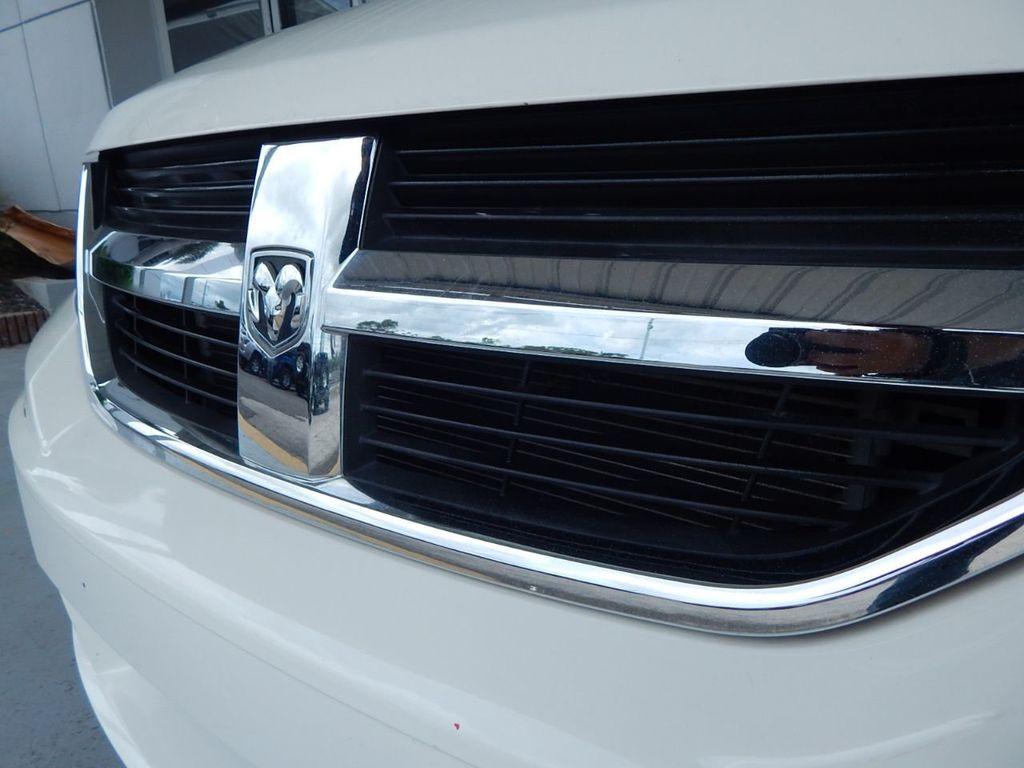 2010 Dodge Journey SXT - 18130959 - 28