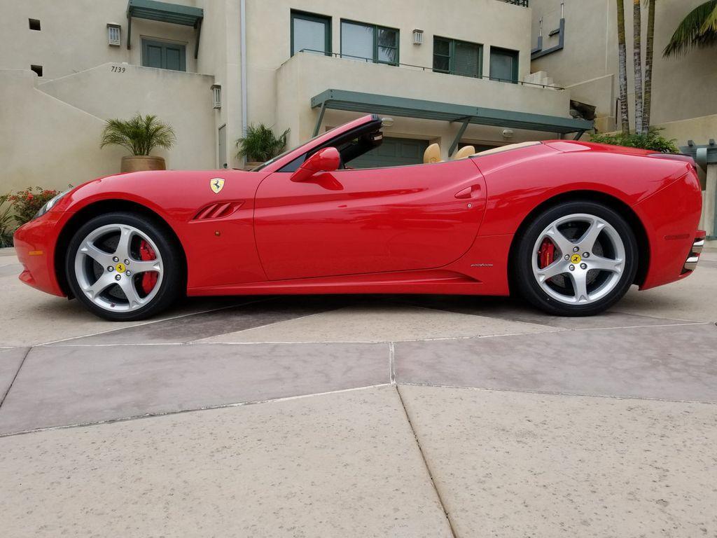2010 Ferrari California 2dr Convertible - 18398625 - 9
