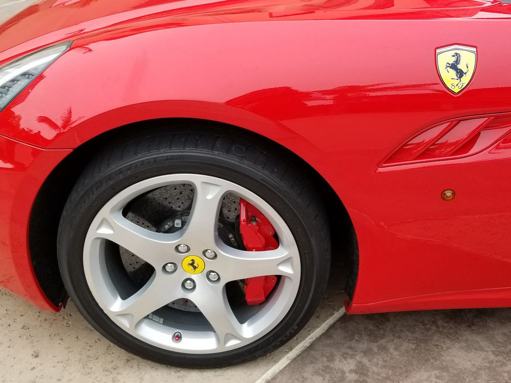 2010 Ferrari California 2dr Convertible - 18398625 - 18