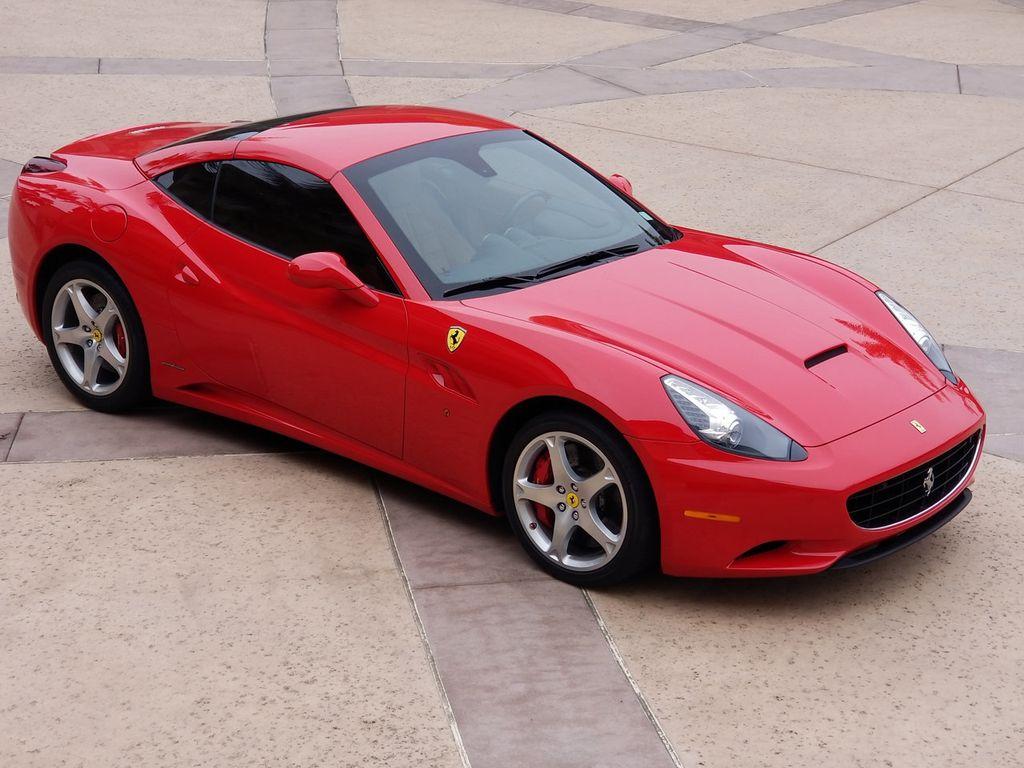 2010 Ferrari California 2dr Convertible - 18398625 - 19