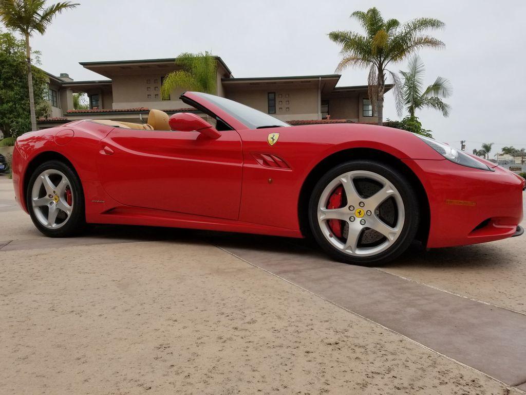 2010 Ferrari California 2dr Convertible - 18398625 - 21