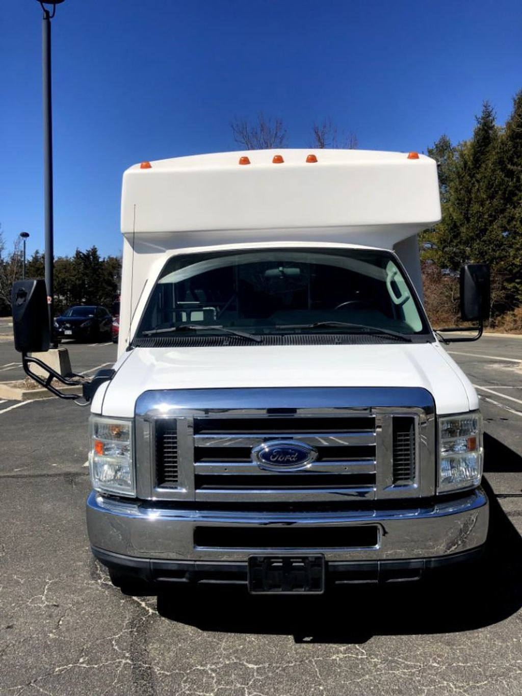 2010 Ford E350 Diamond Non-CDL Wheelchair Bus For Sale For Church Adults Senior Medical Transport Handicapped - 18736449 - 1