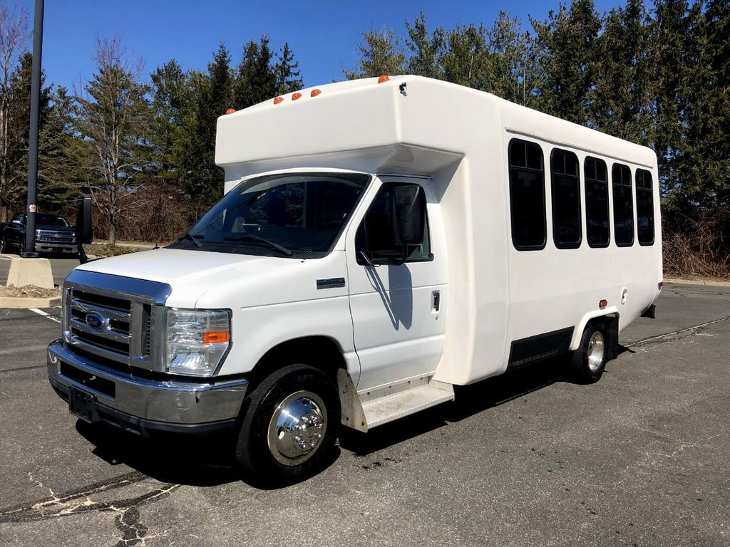 2010 Ford E350 Diamond Non-CDL Wheelchair Bus For Sale For Church Adults Senior Medical Transport Handicapped - 18736449 - 2
