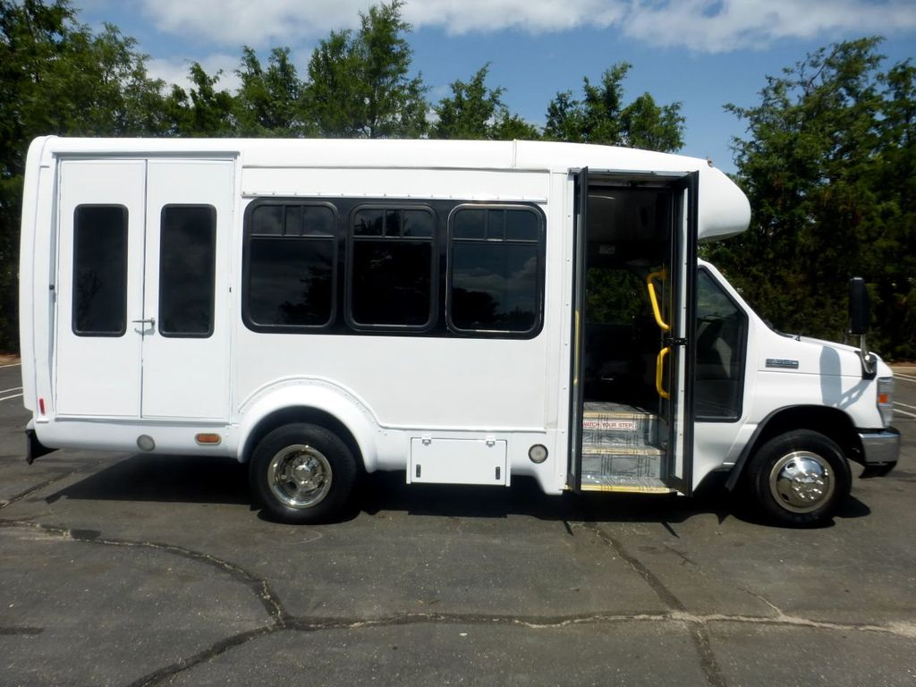 2010 Ford E350 Non-CDL Startrans Wheelchair Shuttle Bus For Senior & Adult Handicap & Mobility Transport - 17933152 - 16