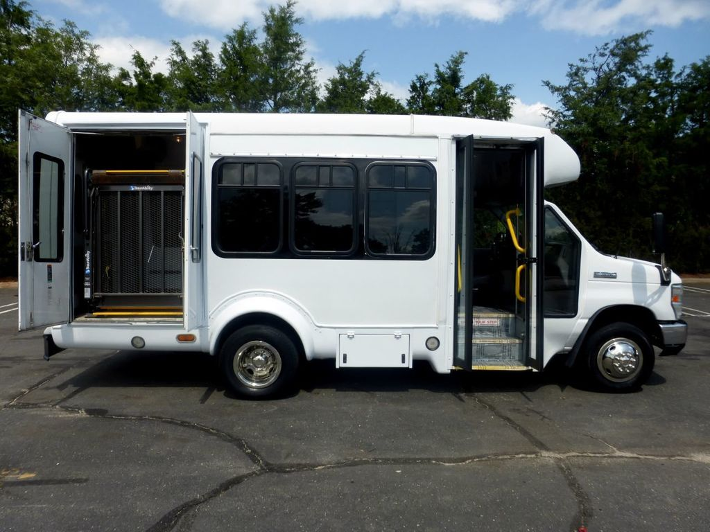 2010 Ford E350 Non-CDL Startrans Wheelchair Shuttle Bus For Senior & Adult Handicap & Mobility Transport - 17933152 - 17
