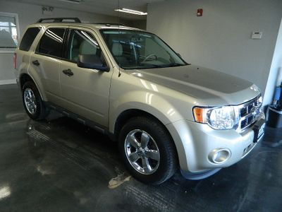 2010 Ford Escape 2010 FORD ESCAPE 4WD XLT SUV - Click to see full-size photo viewer
