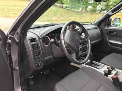 2010 Ford Escape 4WD 4dr XLT - Click to see full-size photo viewer
