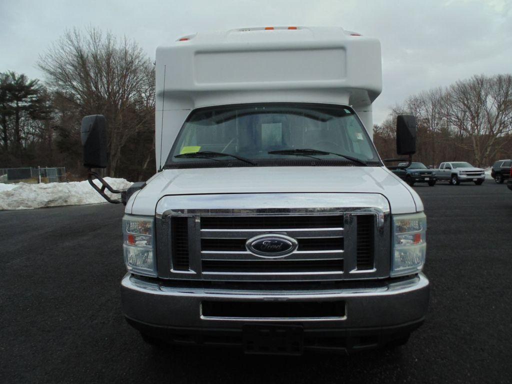 2010 Ford E-450SD Base - 18648227 - 1