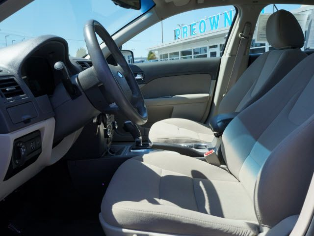 2010 Ford Fusion 4dr Sdn Hybrid FWD - 11911582 - 4
