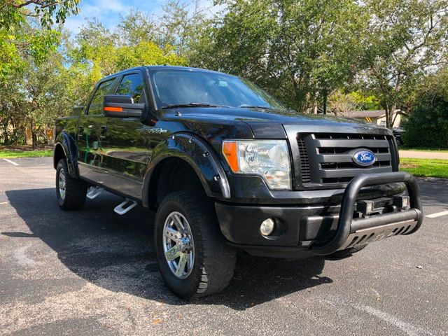 "2010 Ford F-150 4WD SuperCrew 145"" FX4 - Click to see full-size photo viewer"