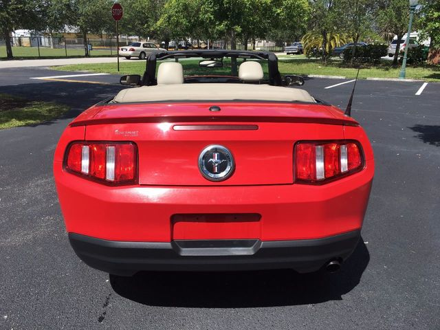 2010 Ford Mustang 2dr Convertible V6 - Click to see full-size photo viewer