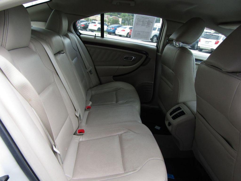 2010 Ford Taurus 4dr Sedan Limited FWD - 17883029 - 11