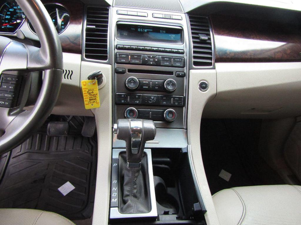 2010 Ford Taurus 4dr Sedan Limited FWD - 17883029 - 18