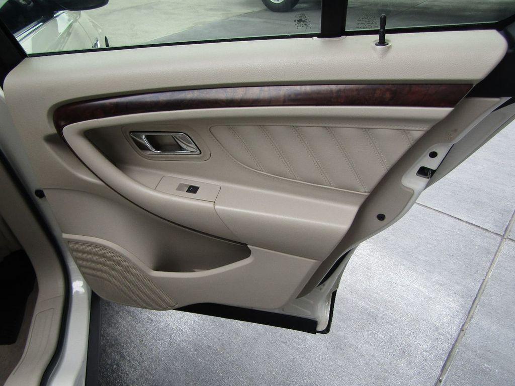 2010 Ford Taurus 4dr Sedan Limited FWD - 17883029 - 34