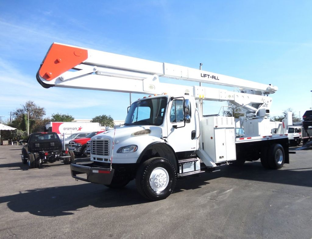 2010 Freightliner BUSINESS CLASS M2 106 4X4.. 70FT BOOM BUCKET TRUCK.. Lift-All LM-70-2MS - 18340882 - 0