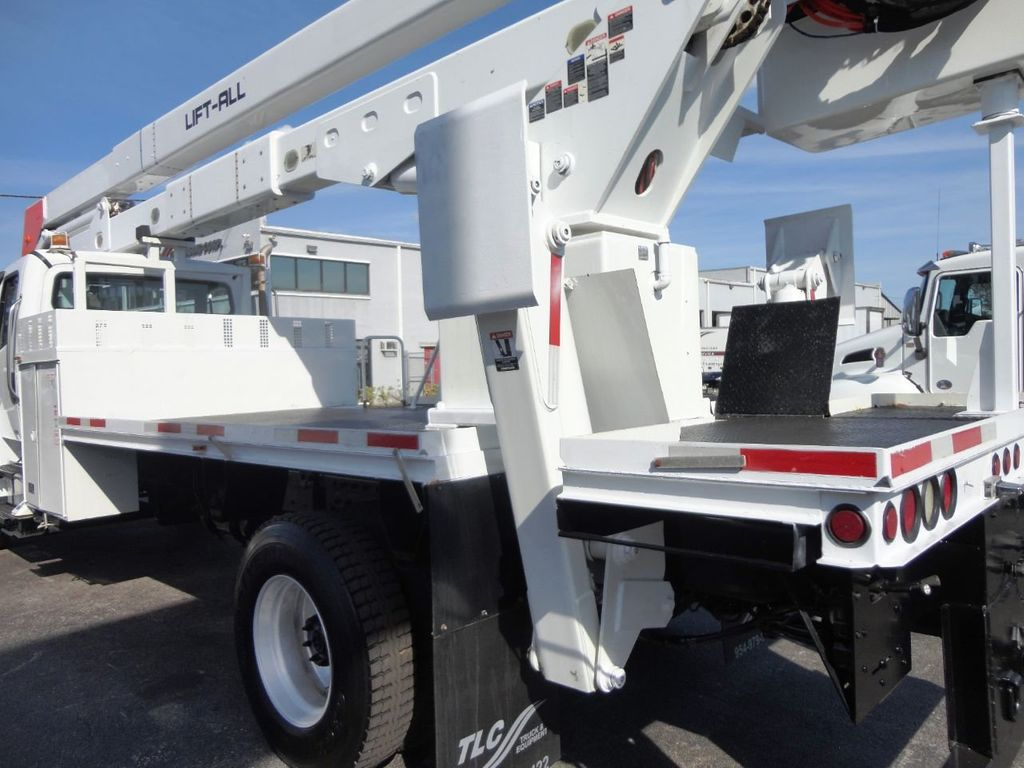 2010 Used Freightliner BUSINESS CLASS M2 106 4X4   70FT BOOM