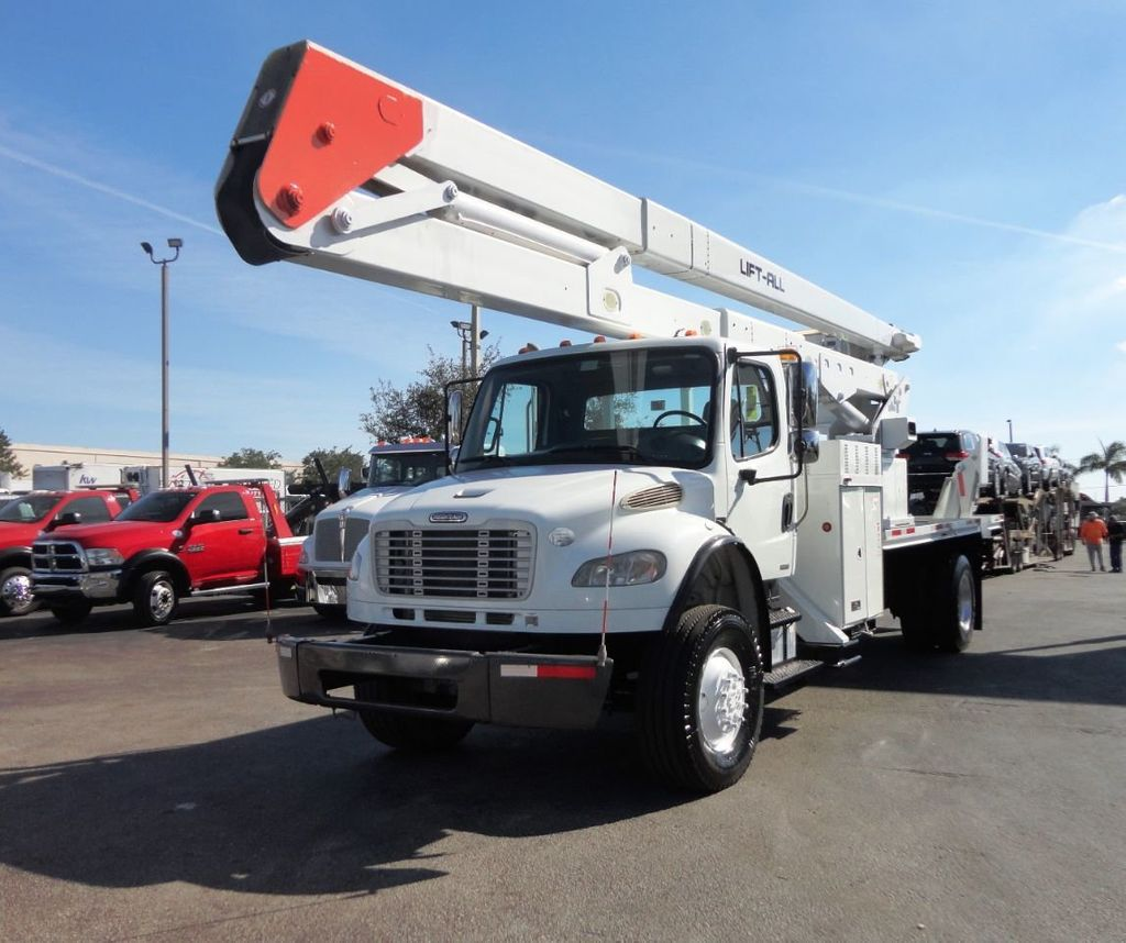 2010 Freightliner BUSINESS CLASS M2 106 4X4.. 70FT BOOM BUCKET TRUCK.. Lift-All LM-70-2MS - 18340882 - 2