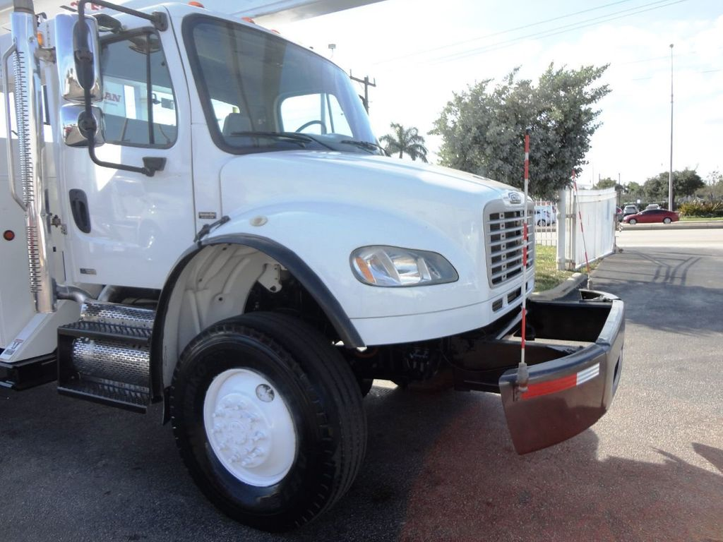 2010 Freightliner BUSINESS CLASS M2 106 4X4.. 70FT BOOM BUCKET TRUCK.. Lift-All LM-70-2MS - 18340882 - 29