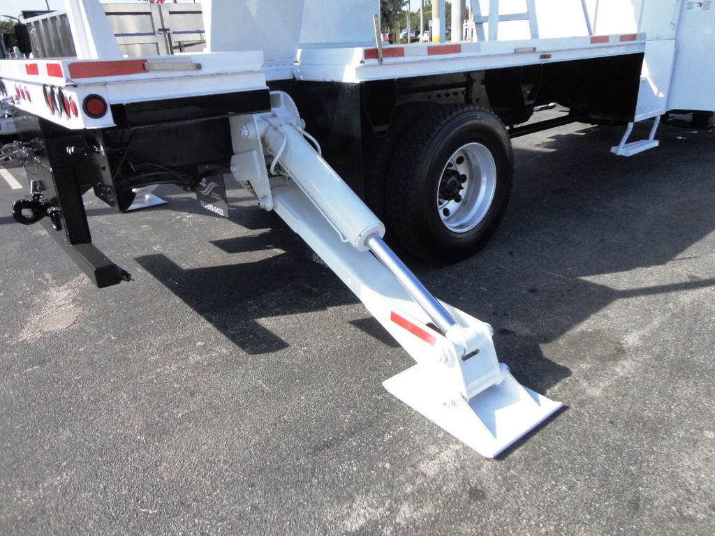 2010 Freightliner BUSINESS CLASS M2 106 4X4.. 70FT BOOM BUCKET TRUCK.. Lift-All LM-70-2MS - 18340882 - 31