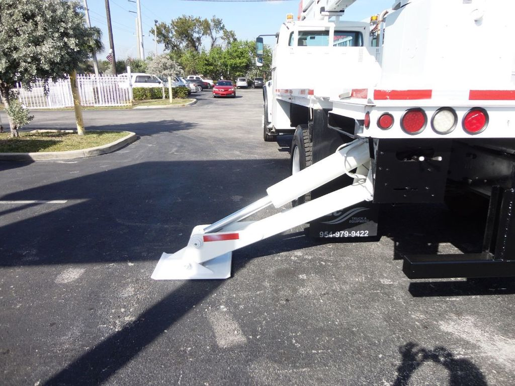 2010 Freightliner BUSINESS CLASS M2 106 4X4.. 70FT BOOM BUCKET TRUCK.. Lift-All LM-70-2MS - 18340882 - 32