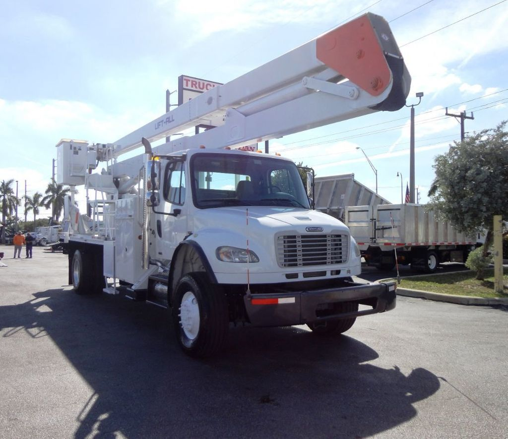2010 Freightliner BUSINESS CLASS M2 106 4X4.. 70FT BOOM BUCKET TRUCK.. Lift-All LM-70-2MS - 18340882 - 4