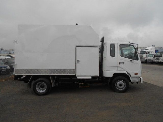 2010 Fuso Fighter 1024 FUSO CHIPPER TIPPER 4x2 - 18726527 - 1