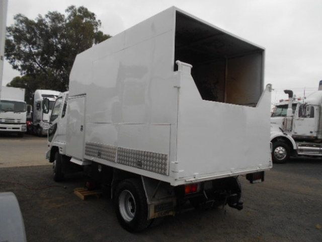 2010 Fuso Fighter 1024 FUSO CHIPPER TIPPER 4x2 - 18726527 - 4