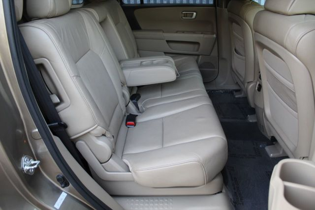2010 Honda Pilot ONE OWNER AWD EXL LEATHER MOONROOF - Click to see full-size photo viewer