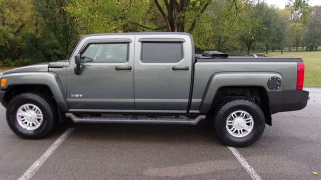 2010 HUMMER H3T 4WD 4dr Luxury
