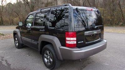 2010 Jeep Liberty 4WD 4dr Renegade - Click to see full-size photo viewer