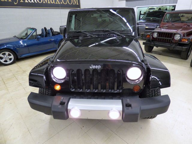 2010 Jeep Wrangler 4WD 2dr Sahara - Click to see full-size photo viewer