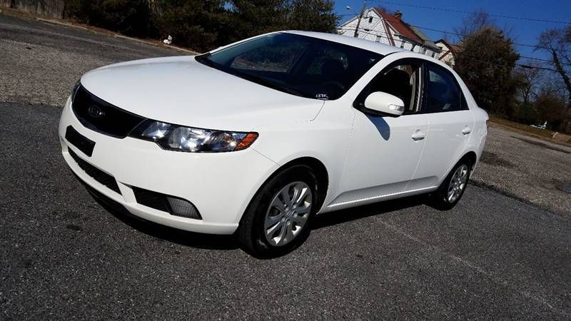 Beautiful 2010 Kia Forte