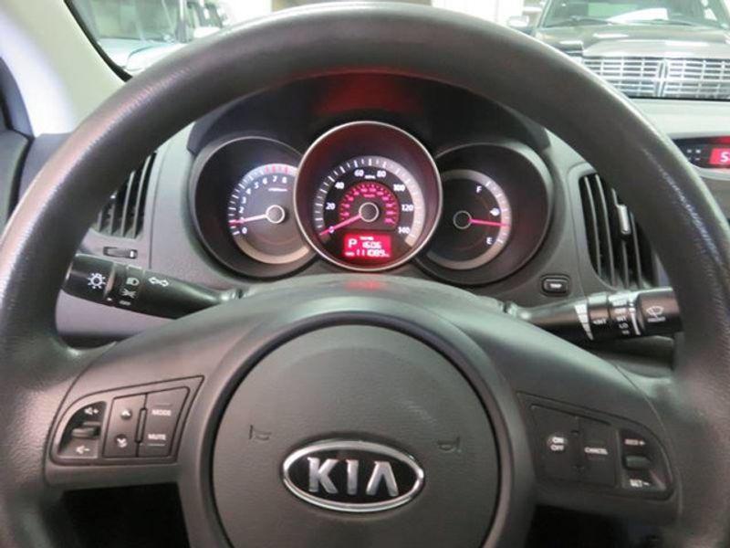 2010 Kia Forte Koup EX / AUTO / PREMIUM   17897705   26