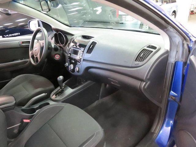 2010 Kia Forte Koup EX / AUTO / PREMIUM Coupe   KNAFU6A21A5182892   3