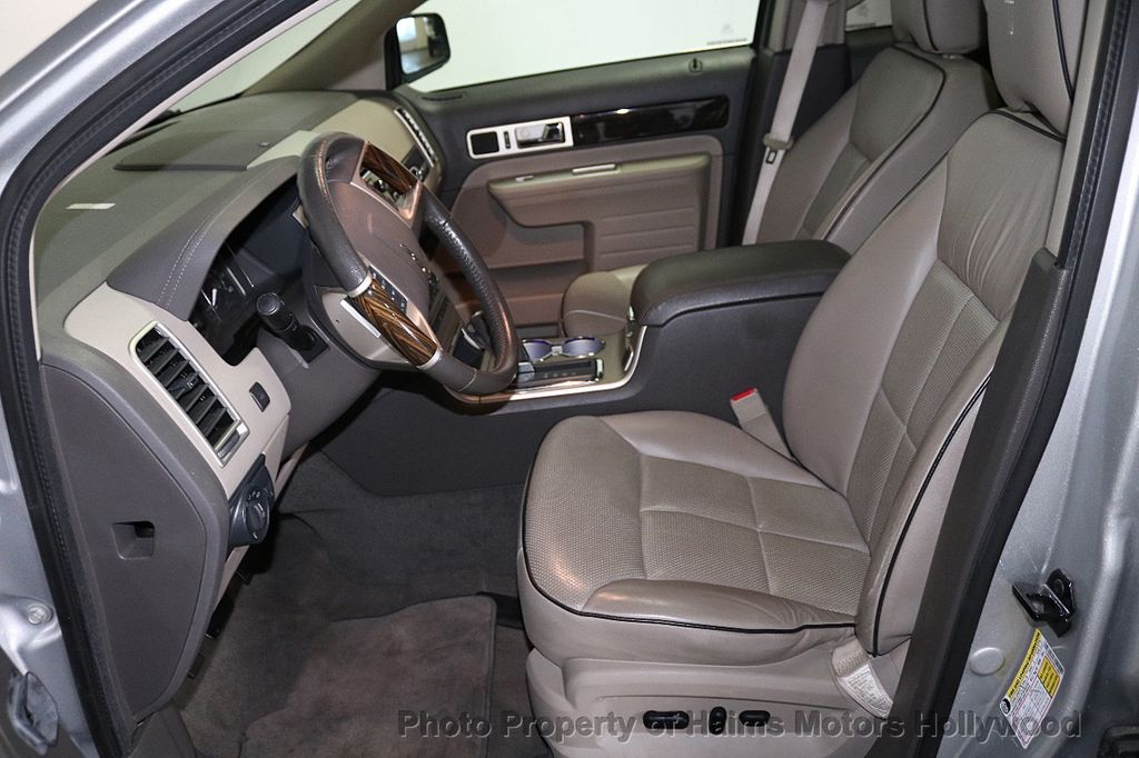 2010 Lincoln MKX FWD 4dr - 18684328 - 17