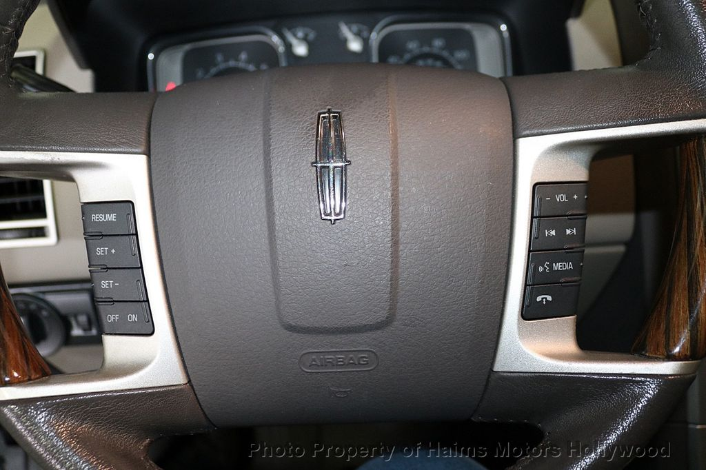 2010 Lincoln MKX FWD 4dr - 18684328 - 26