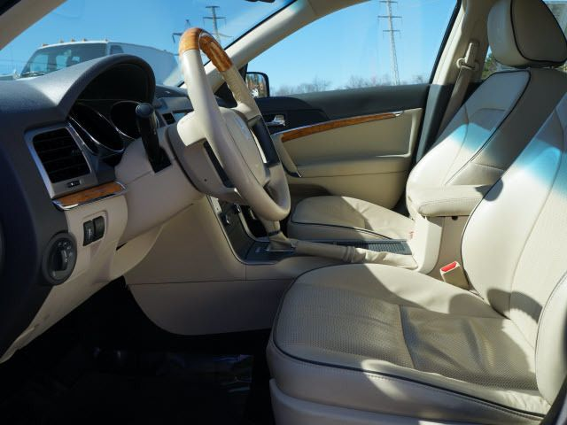 2010 Lincoln MKZ 4dr Sdn FWD - 11695527 - 4