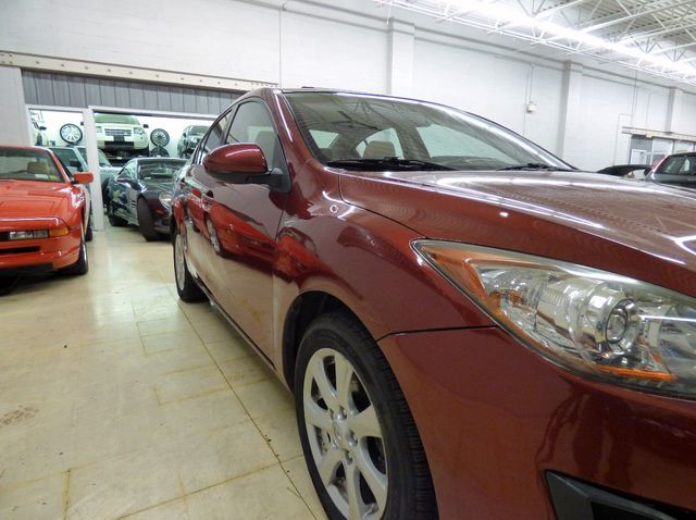 2010 Mazda Mazda3 4dr Sedan Automatic i Touring - Click to see full-size photo viewer