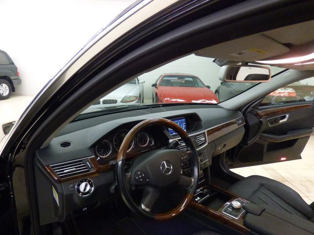 2010 Mercedes-Benz E-Class E 550 4dr Sedan E550 Sport RWD - Click to see full-size photo viewer
