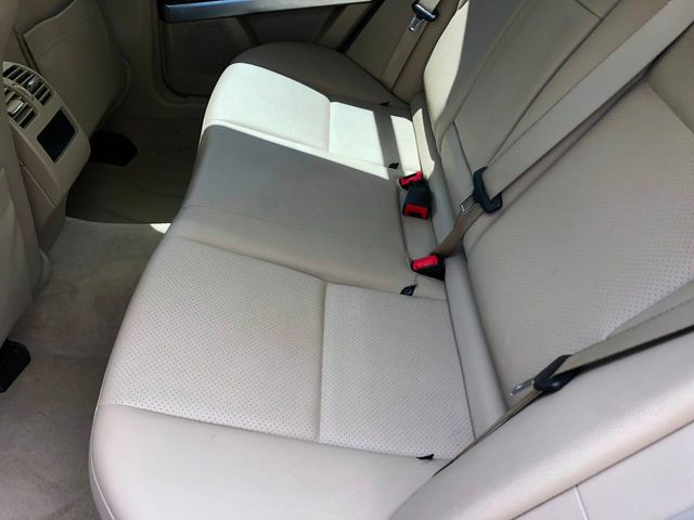2010 Mercedes-Benz GLK RWD 4dr GLK 350 - Click to see full-size photo viewer