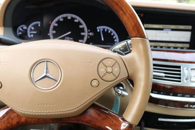 2010 Mercedes-Benz S-Class 4dr Sedan S 550 4MATIC - Click to see full-size photo viewer