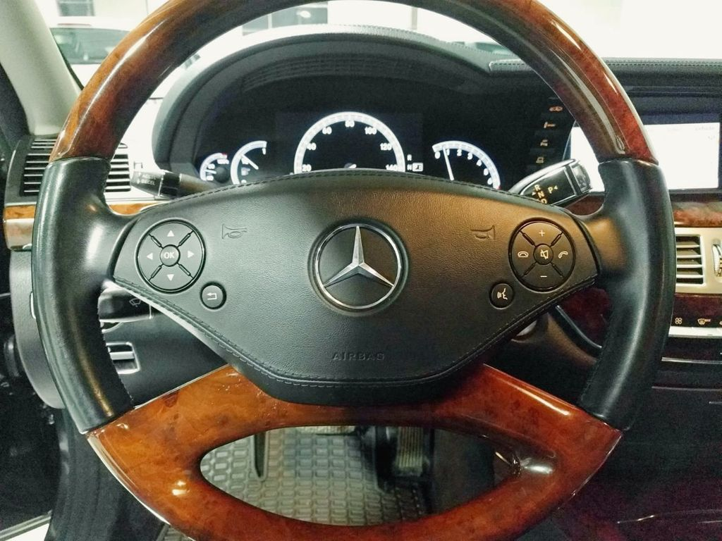 2010 Mercedes-Benz S-Class S550 4MATIC - 18562382 - 30