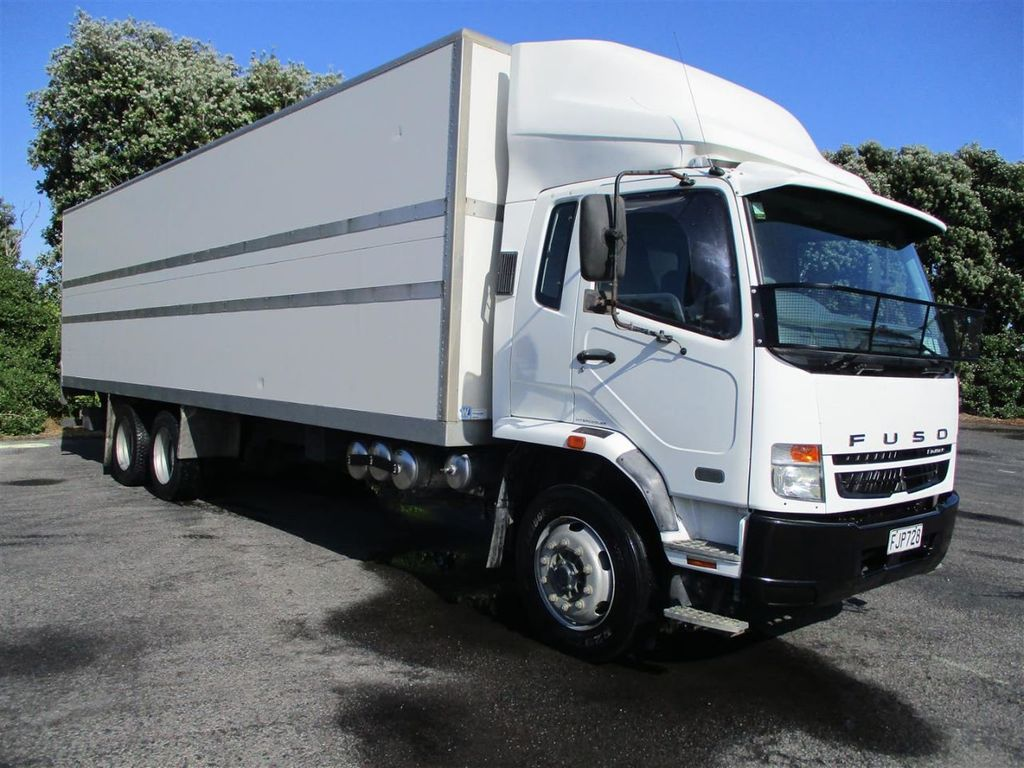 2010 Mitsubishi Fuso Fighter FU281U8 - 18373361 - 0