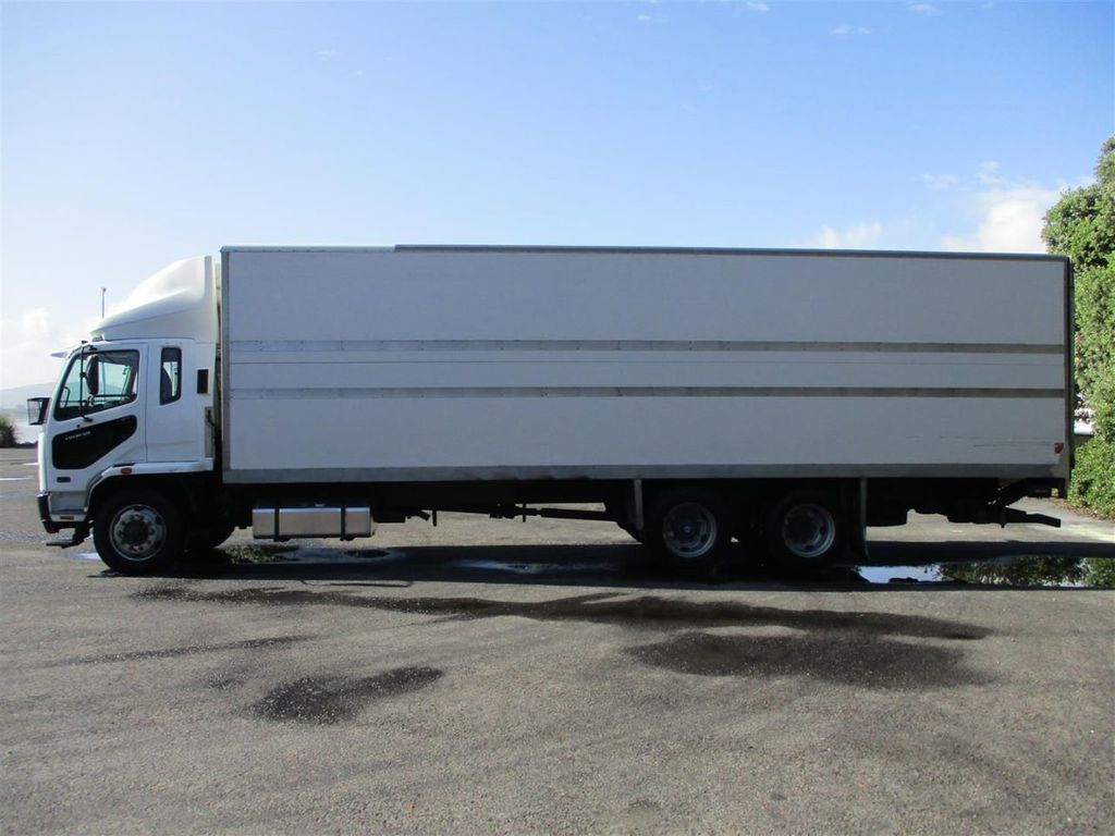 2010 Mitsubishi Fuso Fighter FU281U8 - 18373361 - 2
