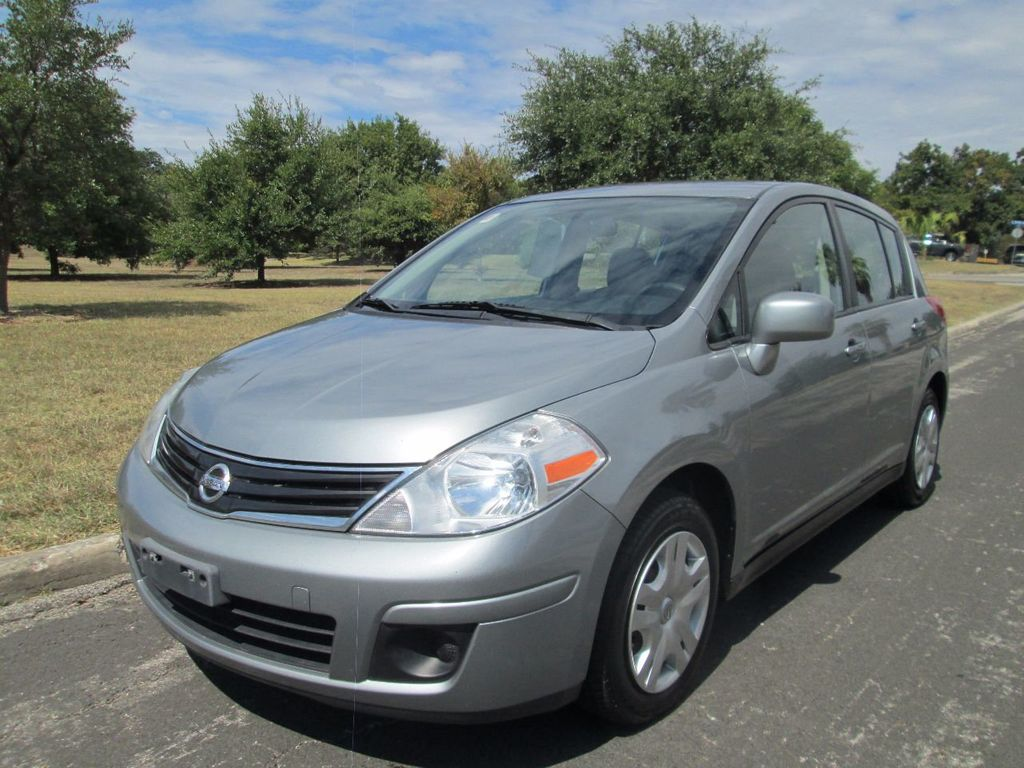 2010 Nissan Versa 5dr Hatchback I4 Manual 1.8 S   14235236