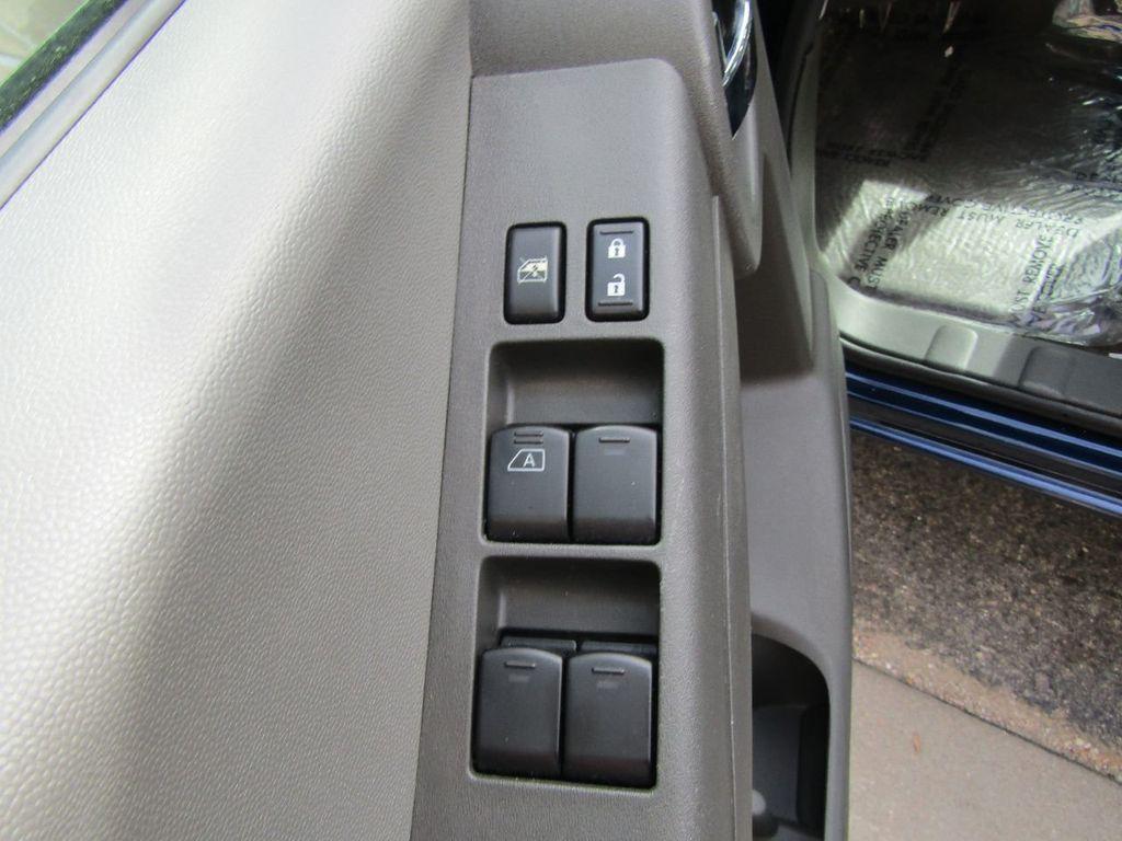 2010 Nissan Xterra 2WD 4dr Automatic SE - 16984866 - 19