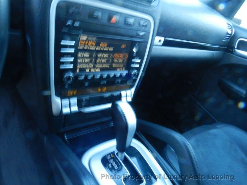 2010 Porsche Cayenne AWD 4dr GTS Tiptronic - 17451949 - 14