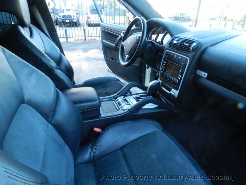 2010 Porsche Cayenne AWD 4dr GTS Tiptronic - 17451949 - 24